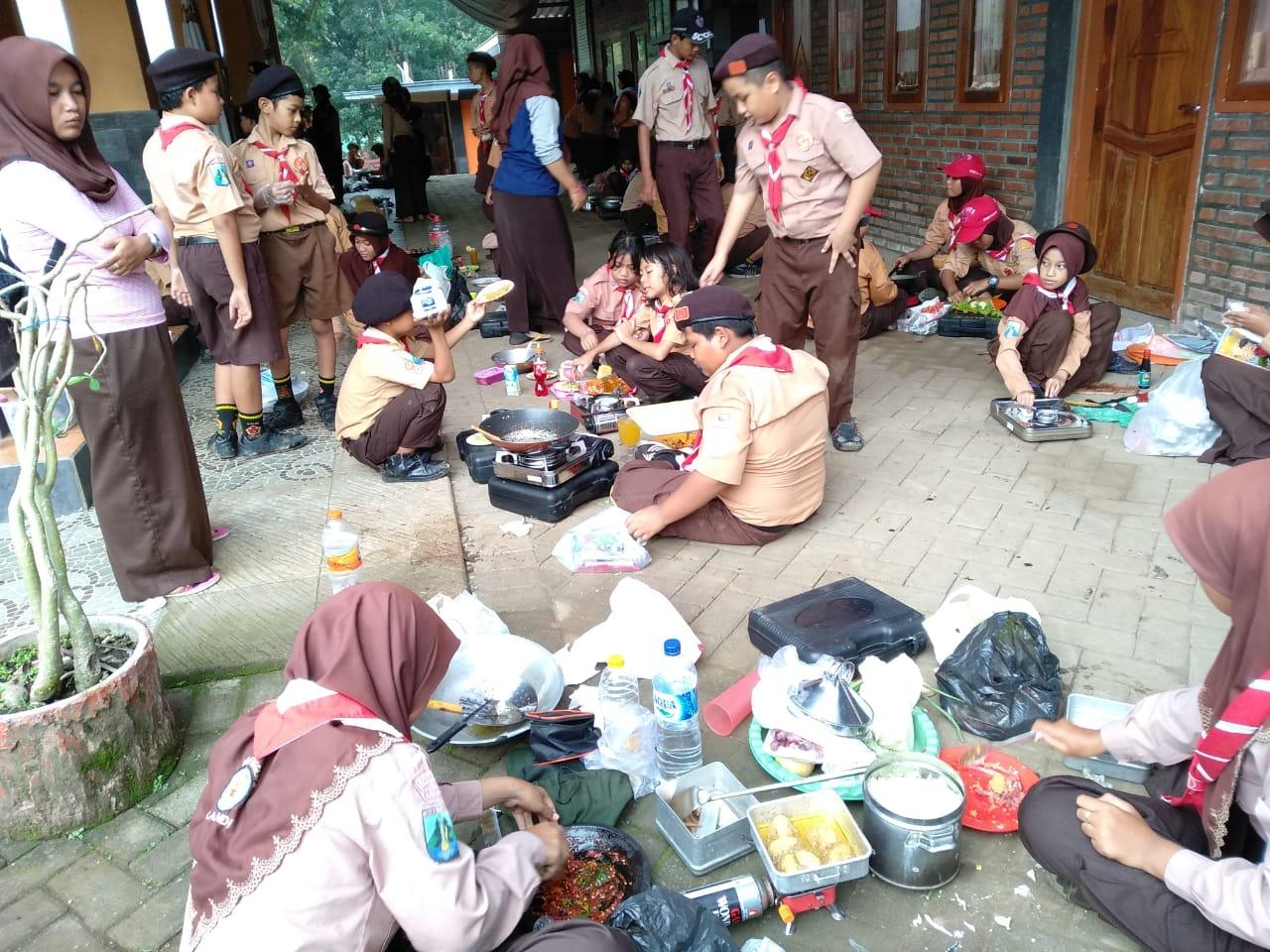 Kegiatan Pramuka Kwartir Ranting Candi - Lentera Camp Trawas